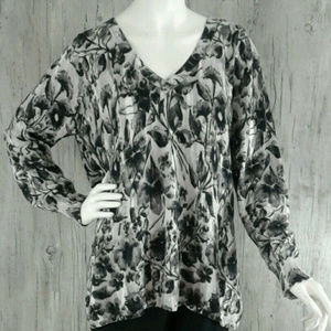 Lane Bryant Womens Sz 18/20 V Neck Floral Sweater